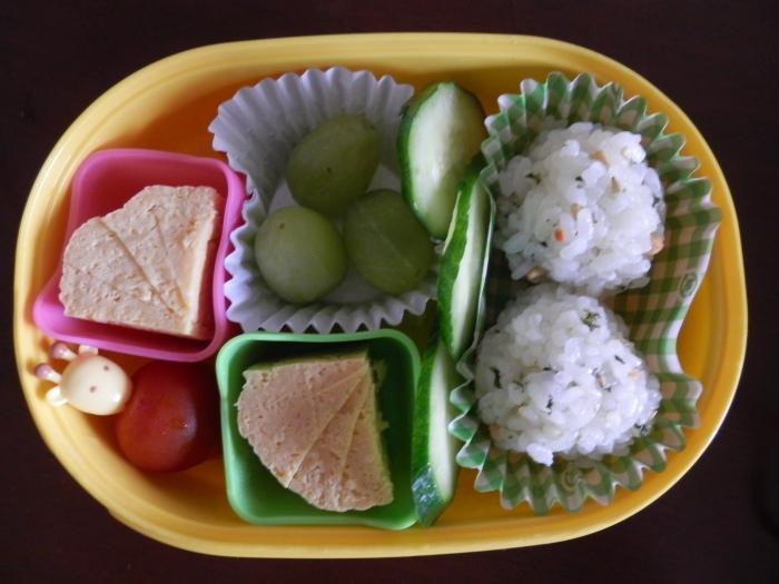 onigiri and tamagoyaki