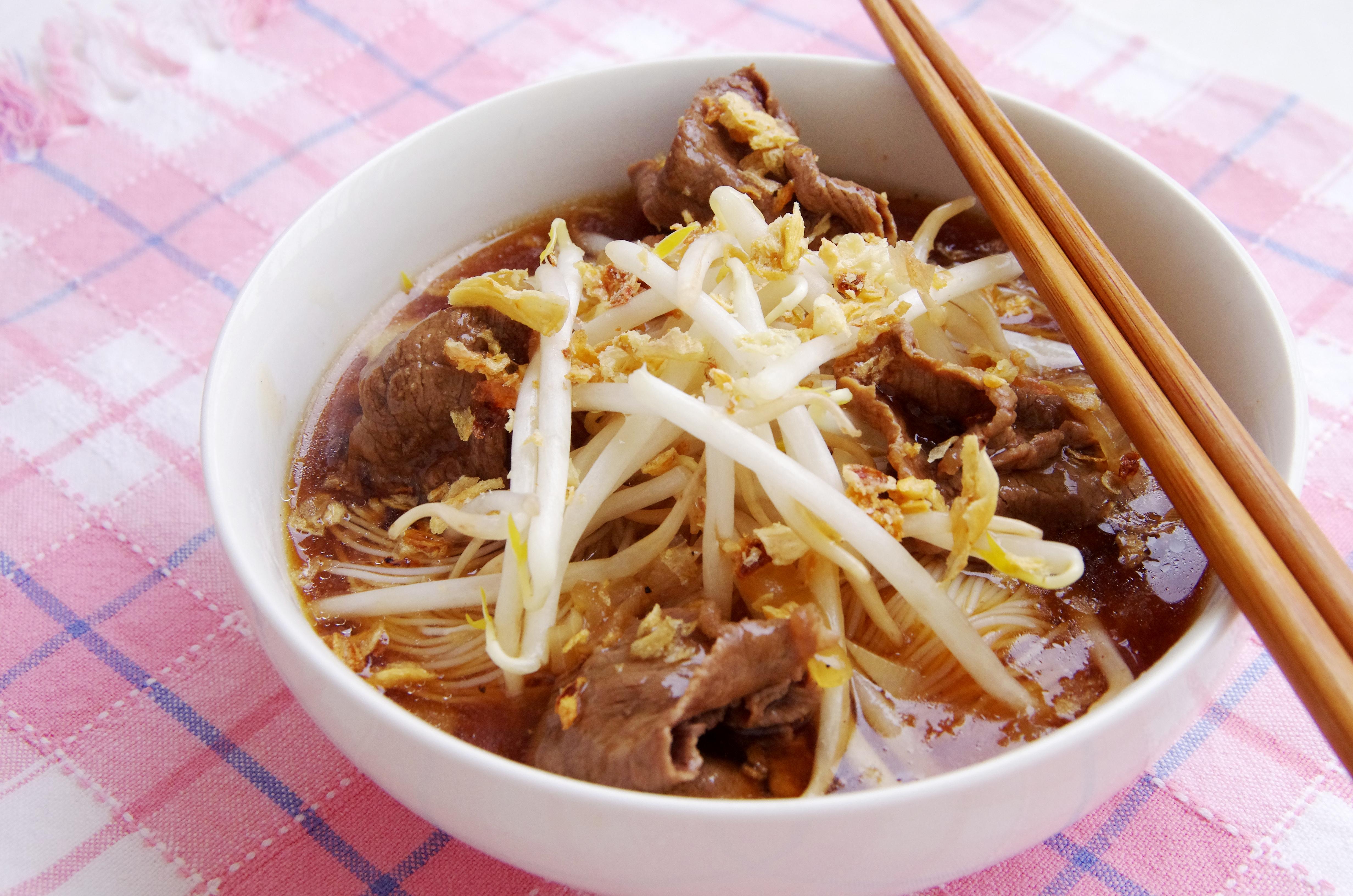 Taiwanese Beef Noodle Soup   Mama Miyuki Easy Pantsy
